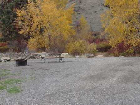 Parking spot, picnic table and fire ring at Umtanum Campsite #4