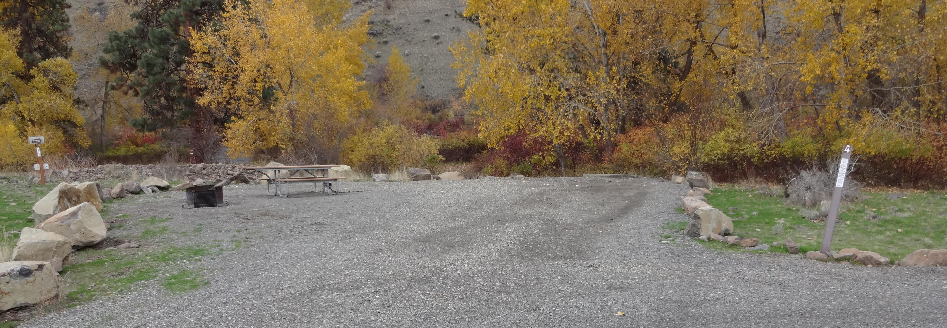 Parking spot, picnic table and fire ring at Umtanum Campsite #4Umtanum campsite #4