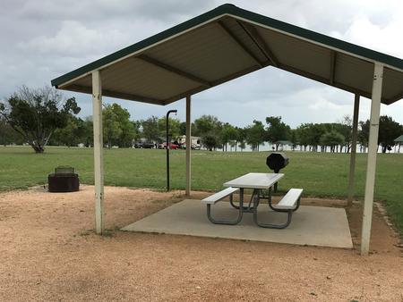 Picnic area with view of Waco Lake