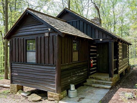 Camp Misty Mount Cabin 16 Entrance Way