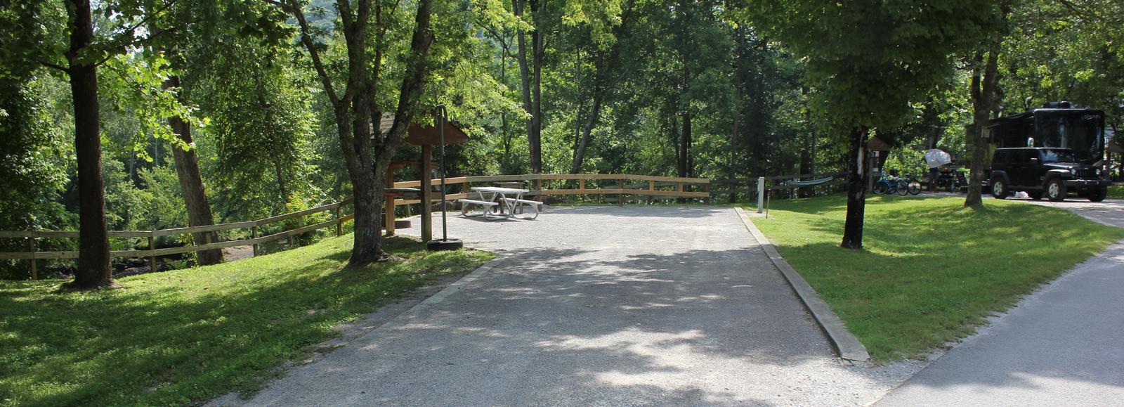 Site 04- Entrance