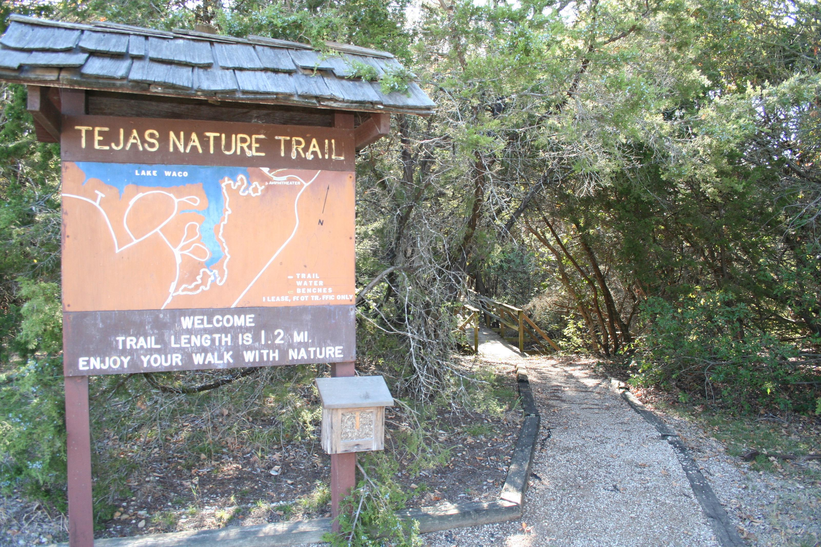 trail entranceEntrance to Tejas Nature Trail
