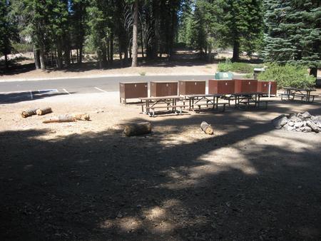 Group C, 11 parking spaces, 6 food storage boxes