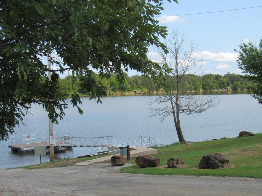 SHEPPARD POINTBoat ramp and dock at Sheppard Point.