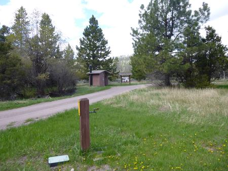Preview photo of Aspen Grove Group Use Area