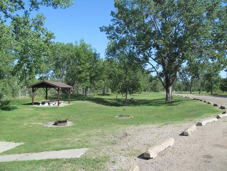 Loop 4 Downstream Campground Shelter along the Missouri River