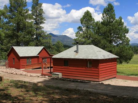 Beautiful Spring Valley Cabin ComplexMain cabin and bunkhouse
