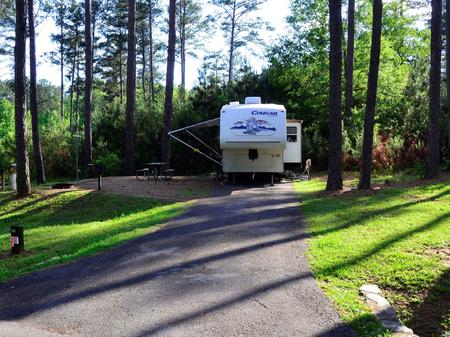 SW-94 - Driveway slope, utilities-side clearance, awning-side clearance.Sweetwater Campground, campsite 94.