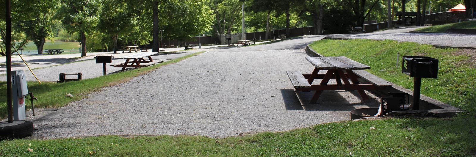 A photo of Site 043 of Loop TCLP at FLOATING MILL PARK with Picnic Table, Electricity Hookup, Water Hookup