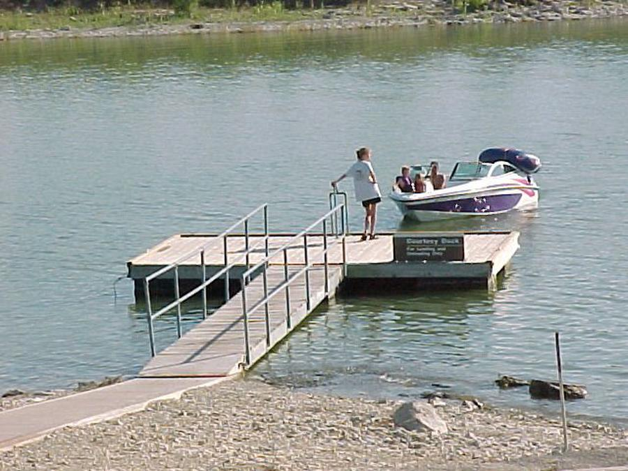 West Rolling Hills - Courtesy Boat Dock