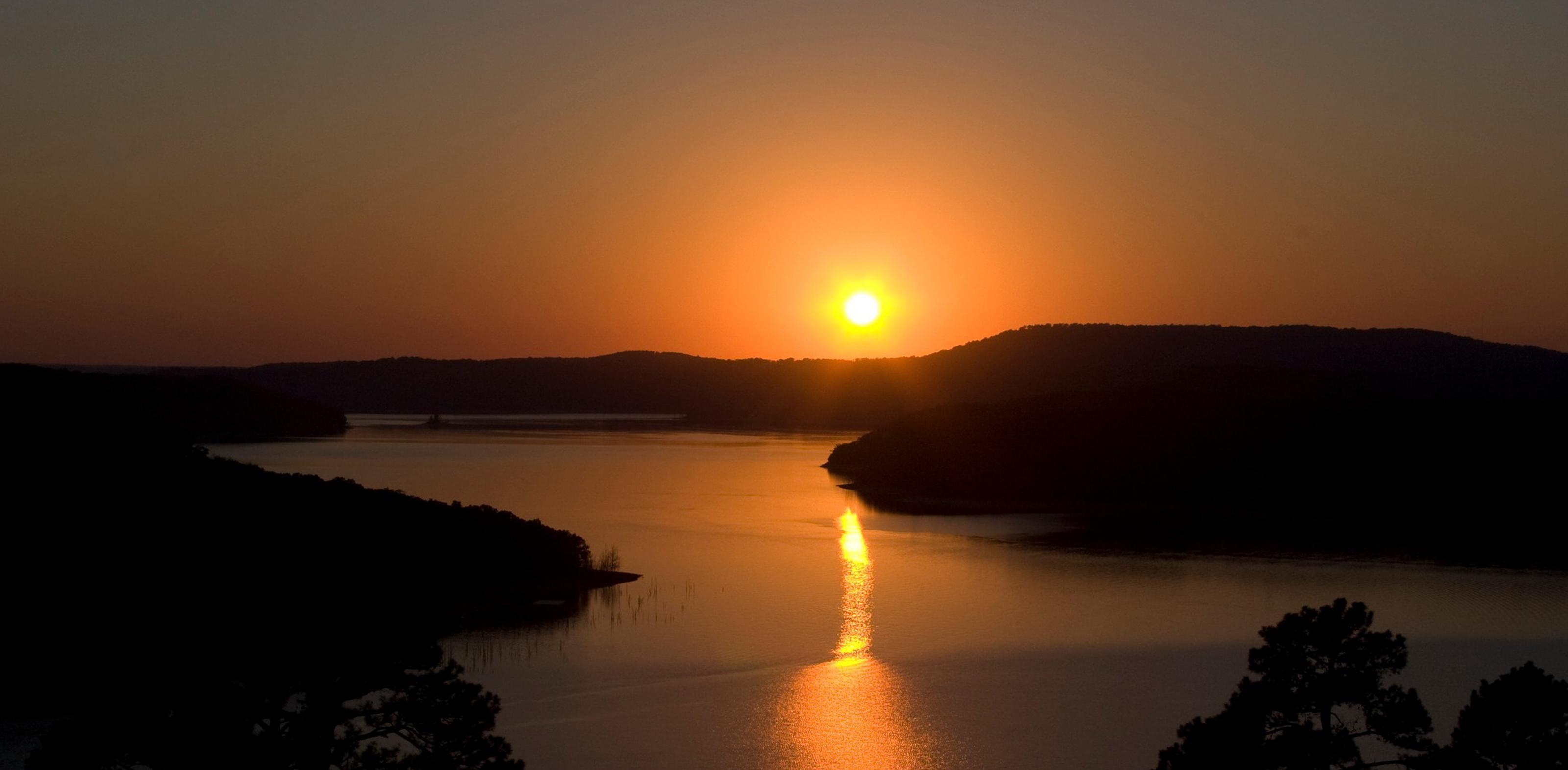 Beaver Lake at sunsetBeaver Lake sunset