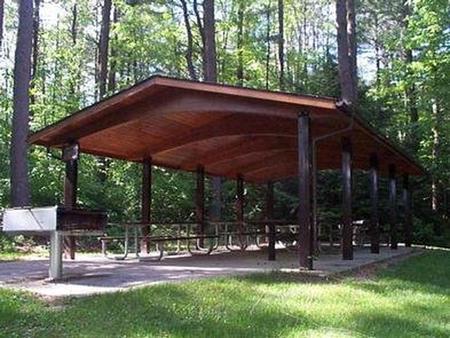 Tully LakeDay Use Shelter