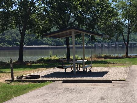 Preview photo of Ozark Lake