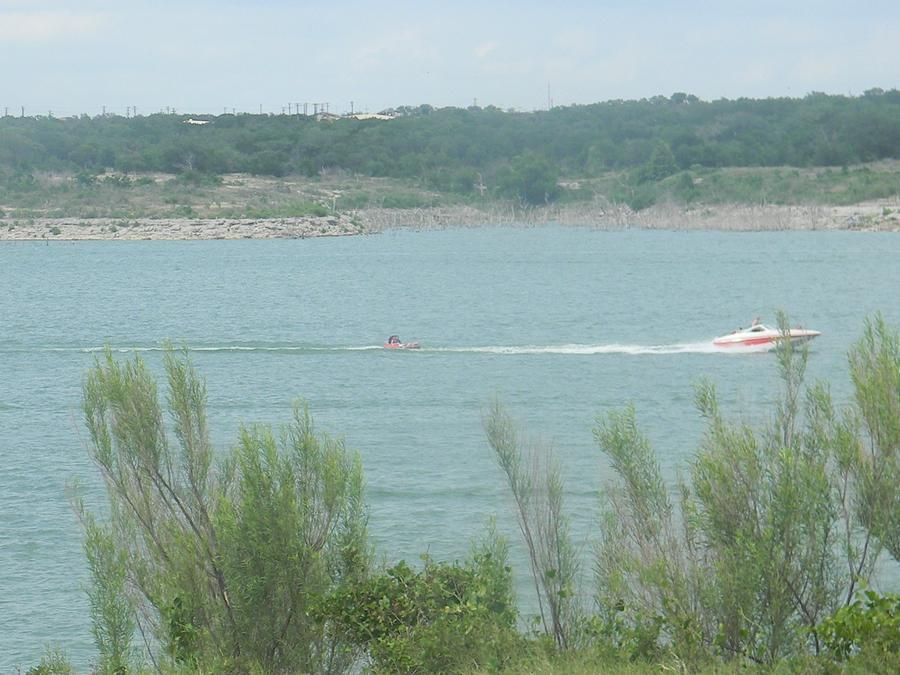 lake georgetown boating