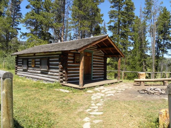 Preview photo of Wapiti Cabin