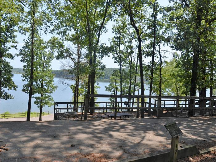 De Queen Lake Bellah Mine Park Campsite # 17Campsite #17