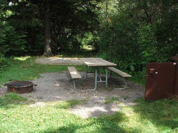 D Loop Site 32 - Tent Nonelectric