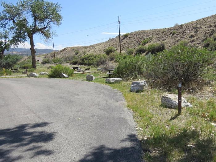 Site 17Pull-through parking area