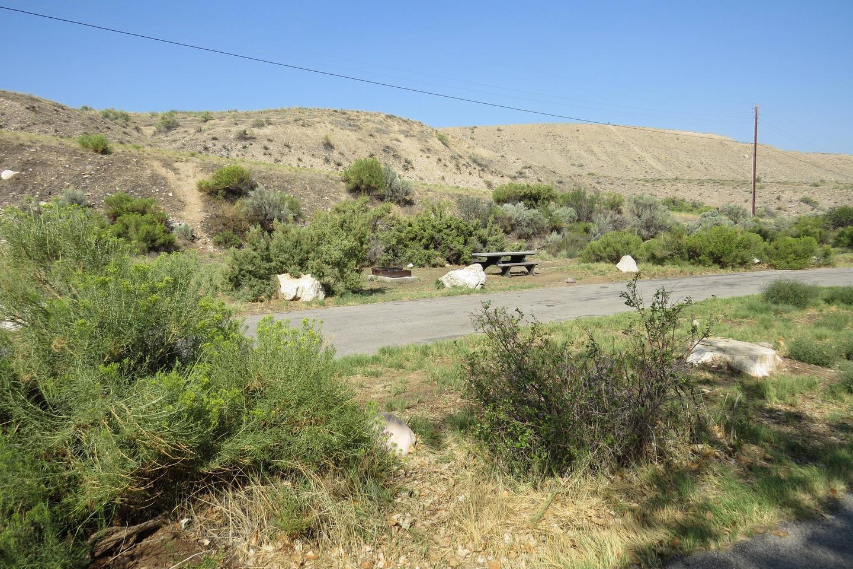 Site 48Pull-through parking area