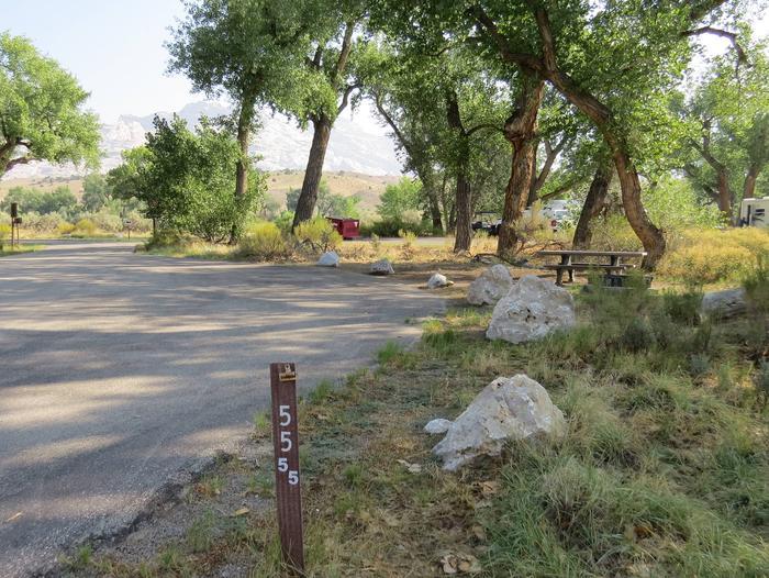 Site 55Pull-through parking area