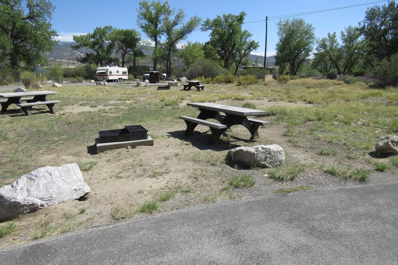 Site 56Pull-through parking area