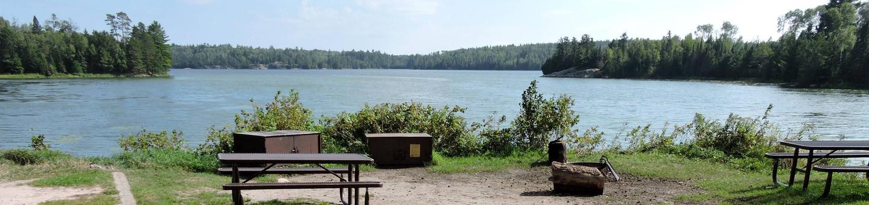 K8 - Eks BayK8 - Eks Bay on Kabetogama Lake
