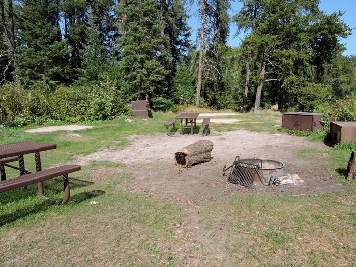 K8 - Eks BayView of campsite