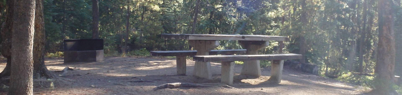 Lodge Pole CampgroundCampsite 11