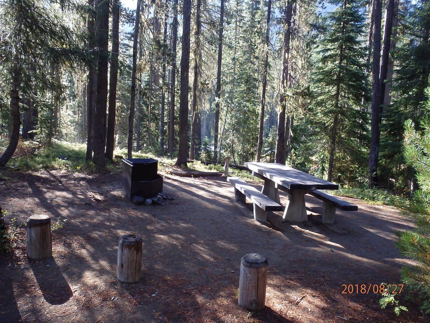 Lodge Pole CampgroundCampsite 9