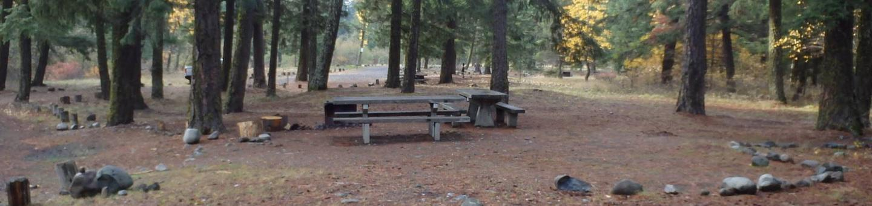 Halfway Flat CampgroundCampsite 4 Double Unit