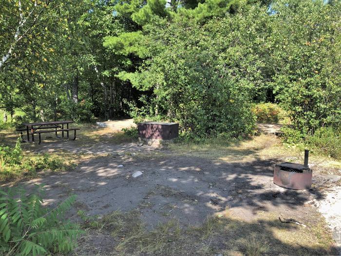 K29 - Round Bear IslandView of campsite