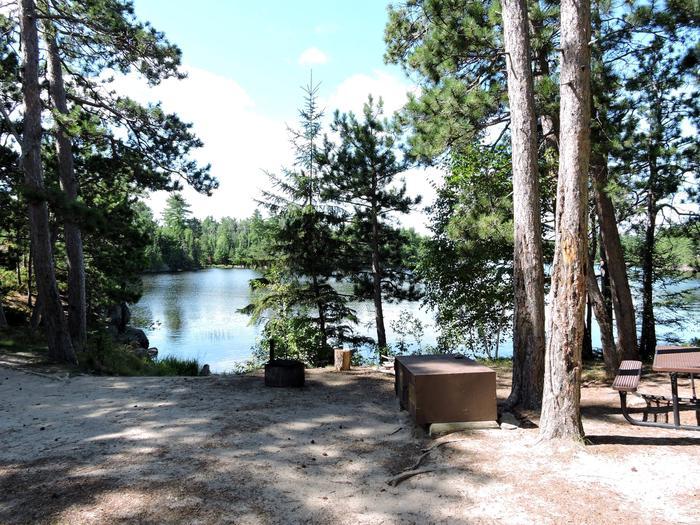 N24 - My Island SouthN24 - My Island South campsite on Namakan Lake