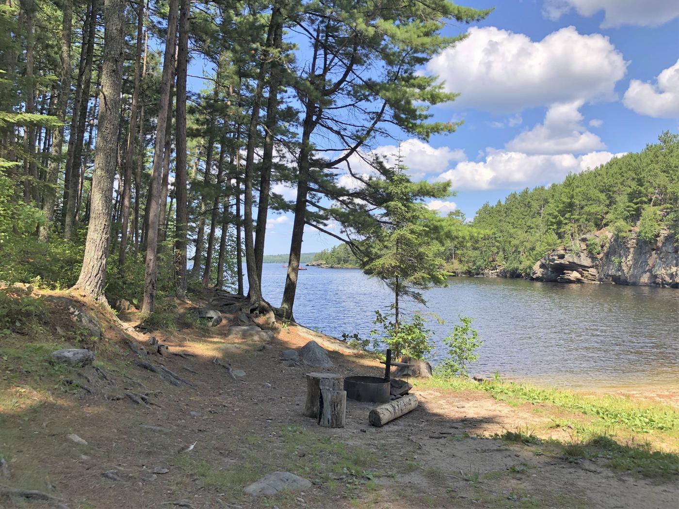 N25 - My Island WestN25 - My Island West campsite on Namakan Lake