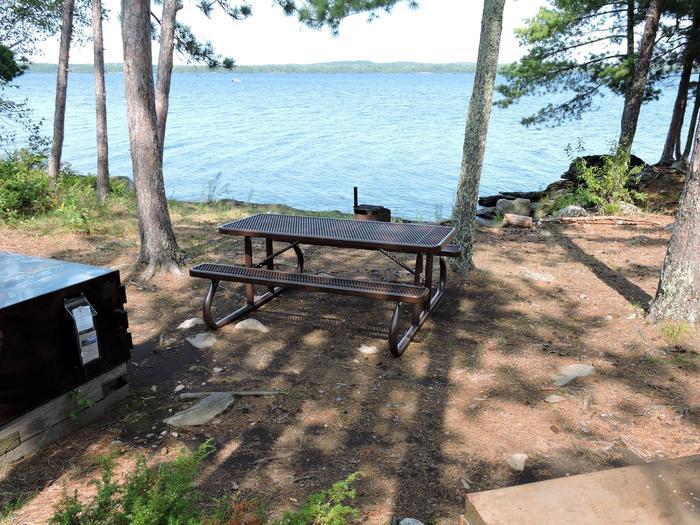 N30 - Pat Smith IslandN30 - Pat Smith Island campsite on Namakan Lake