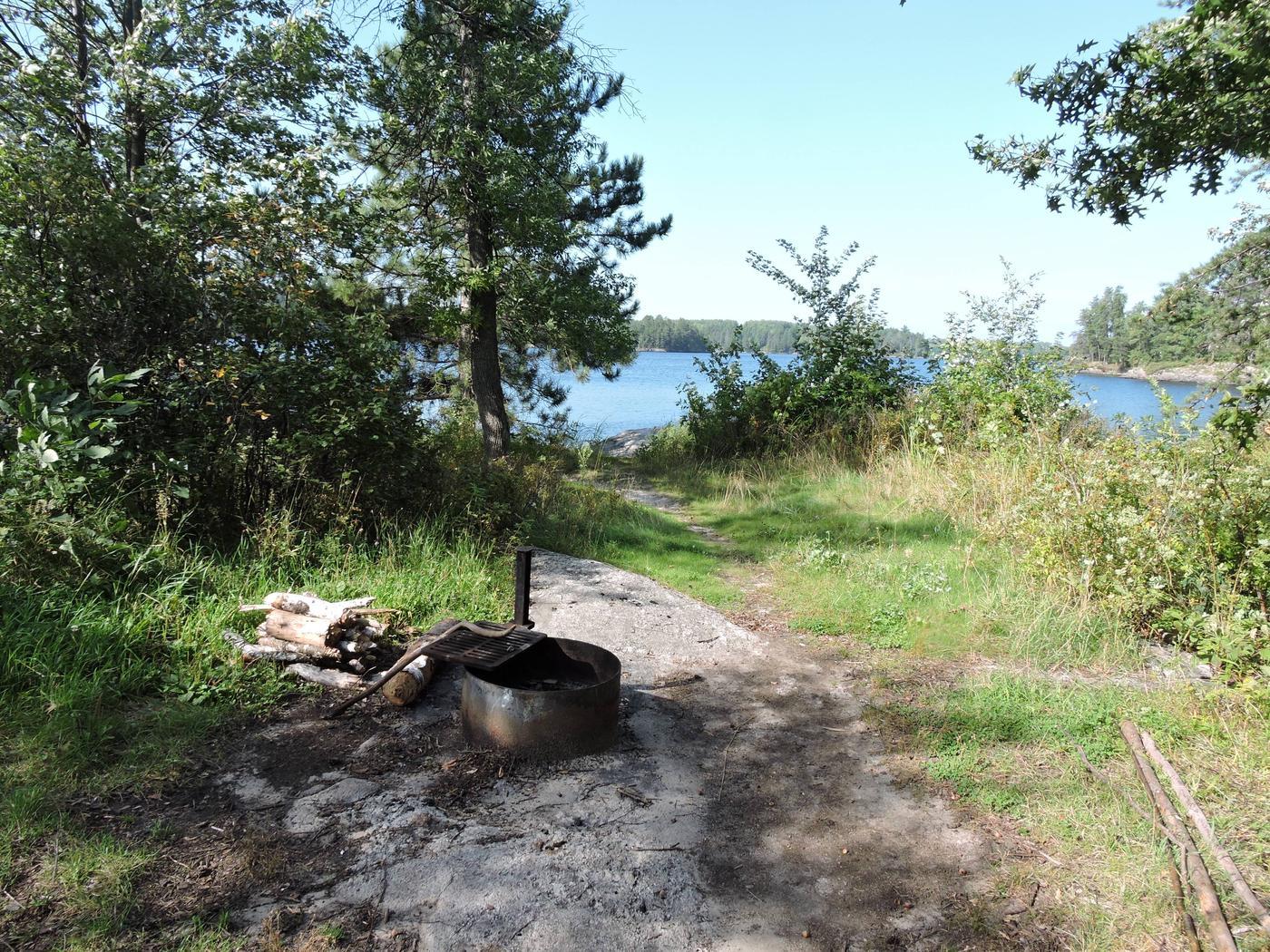 N37 - Sandbar Point N37 - Sandbar Point campsite on Namakan Lake