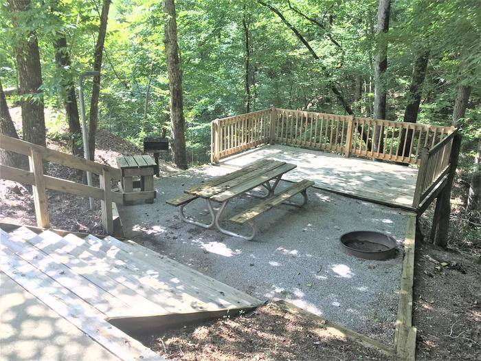 Deerlick Creek Campsite 33 Picnic Area