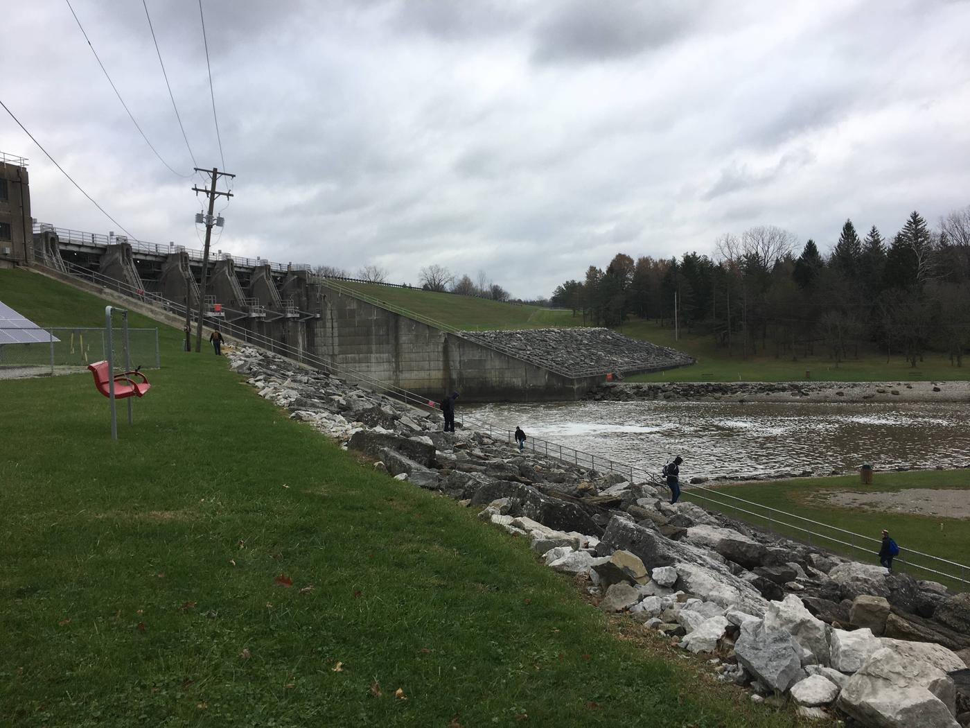 DELAWARE LAKE DAMSITE SHELTERSview of Delaware Dam