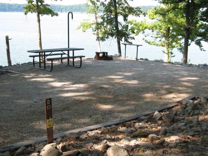 Bailey's Point Site D10