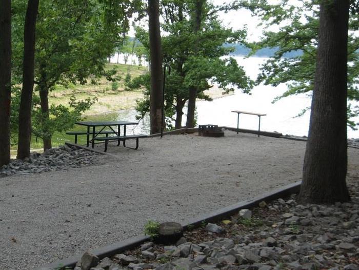 Bailey's Point Site D13