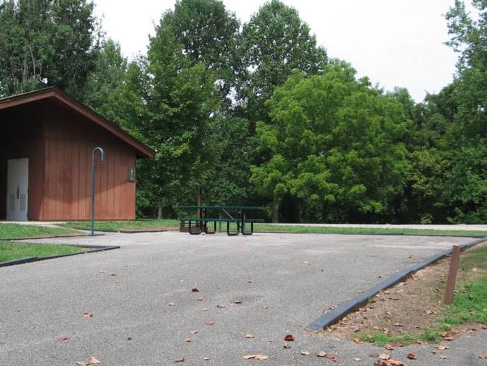Bailey's Point Site E01