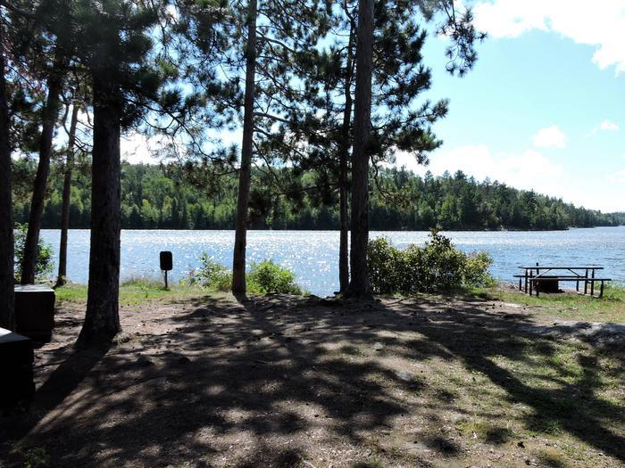 N44 - Williams Island SouthN44 - Williams Island South campsite on Namakan Lake