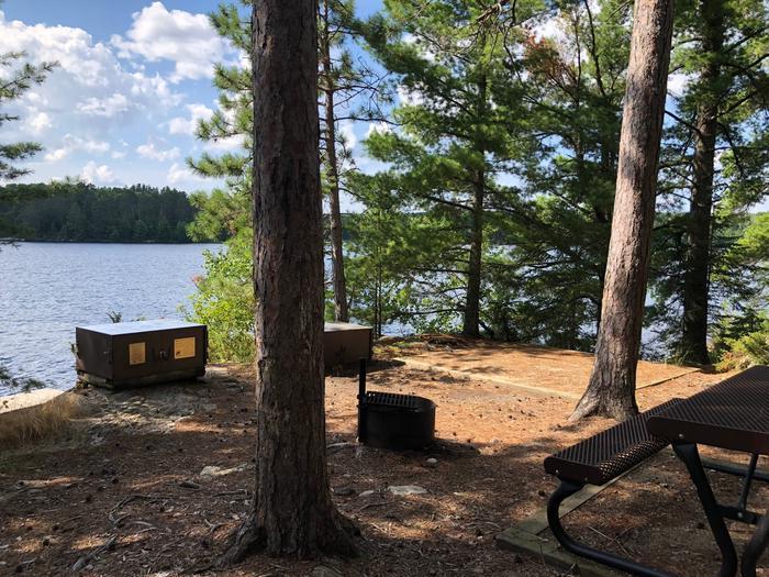 N62 - Sexton IslandN62 - Sexton Island campsite on Namakan Lake