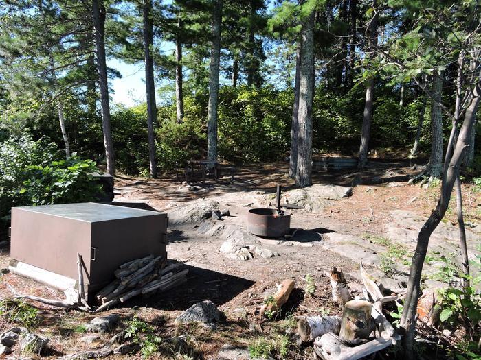 S9 - Houseboat Island WestView of campsite