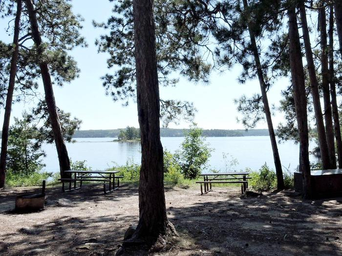 S14 - Norway IslandS14 - Norway Island campsite on Sandpoint Lake