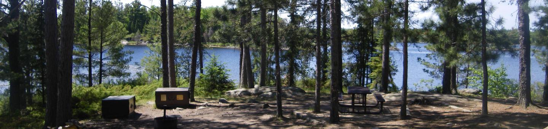 R22 - Saginaw BayR22 - Saginaw Bay campsite on Rainy Lake