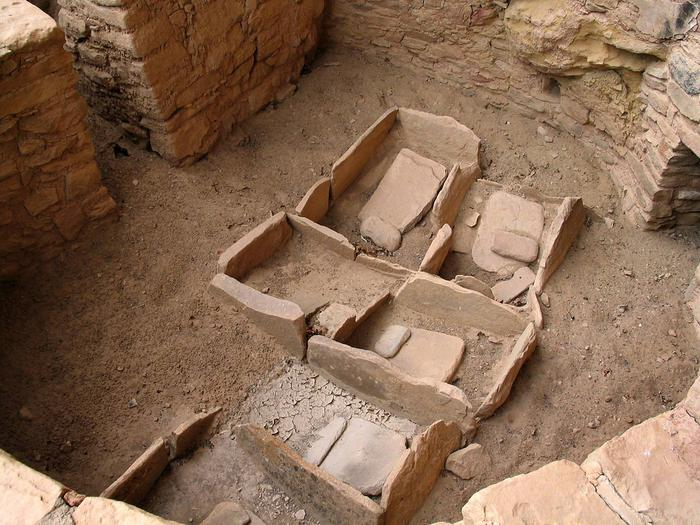 Stone mealing bins Mealing bins (manos and metates) in Oak Tree House.