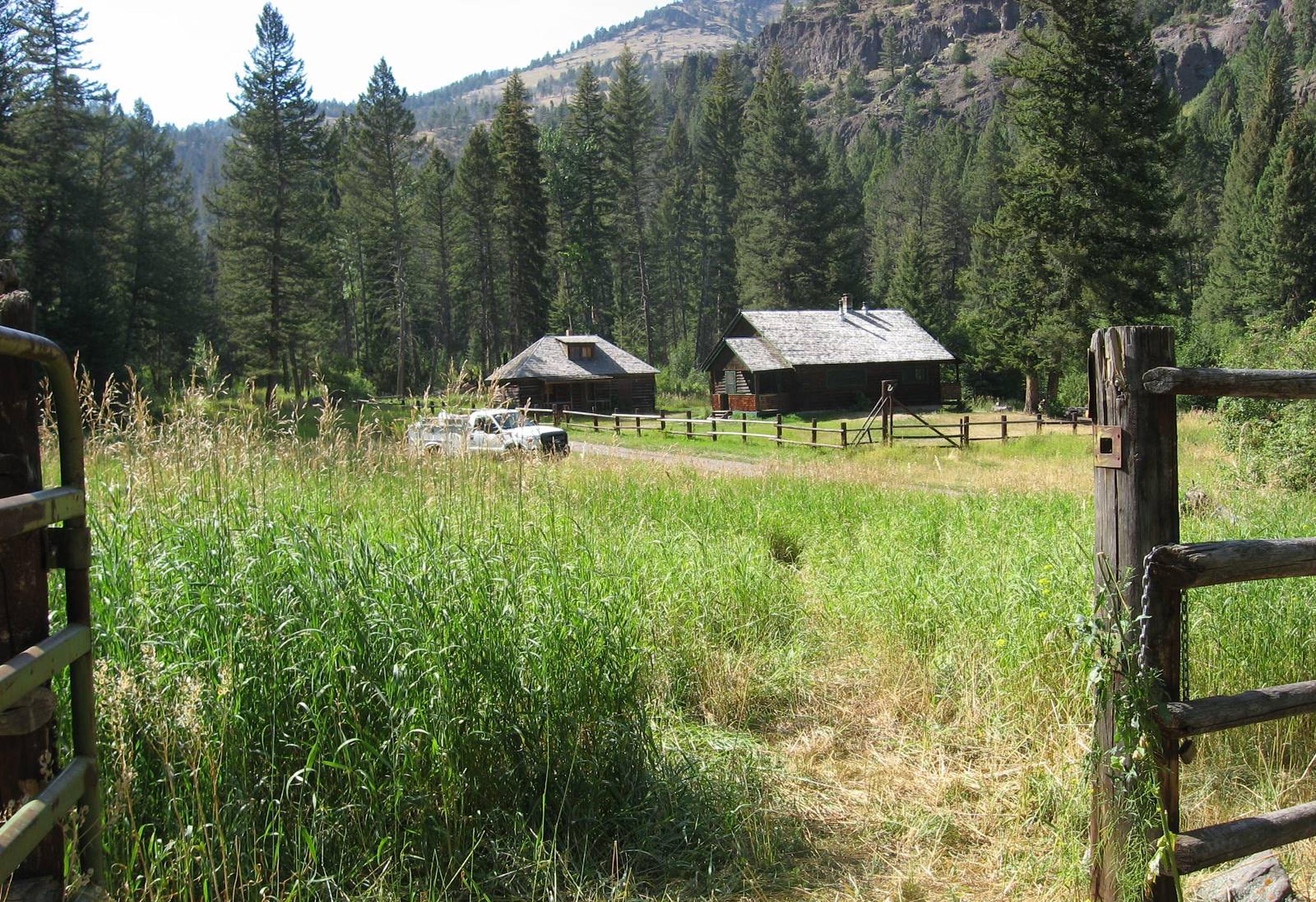 A corral is available.Across the meadow lies the cabin