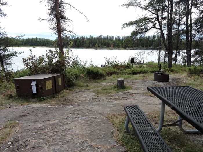 R49 - Soboleski Bay SouthR49 - Soboleski Bay South campsite on Rainy Lake