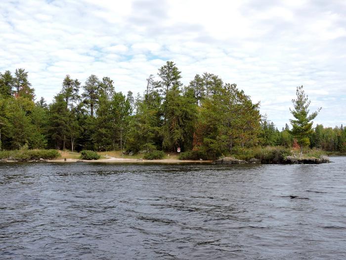 R20 - Lost BayR20 - Lost Bay campsite on Rainy Lake