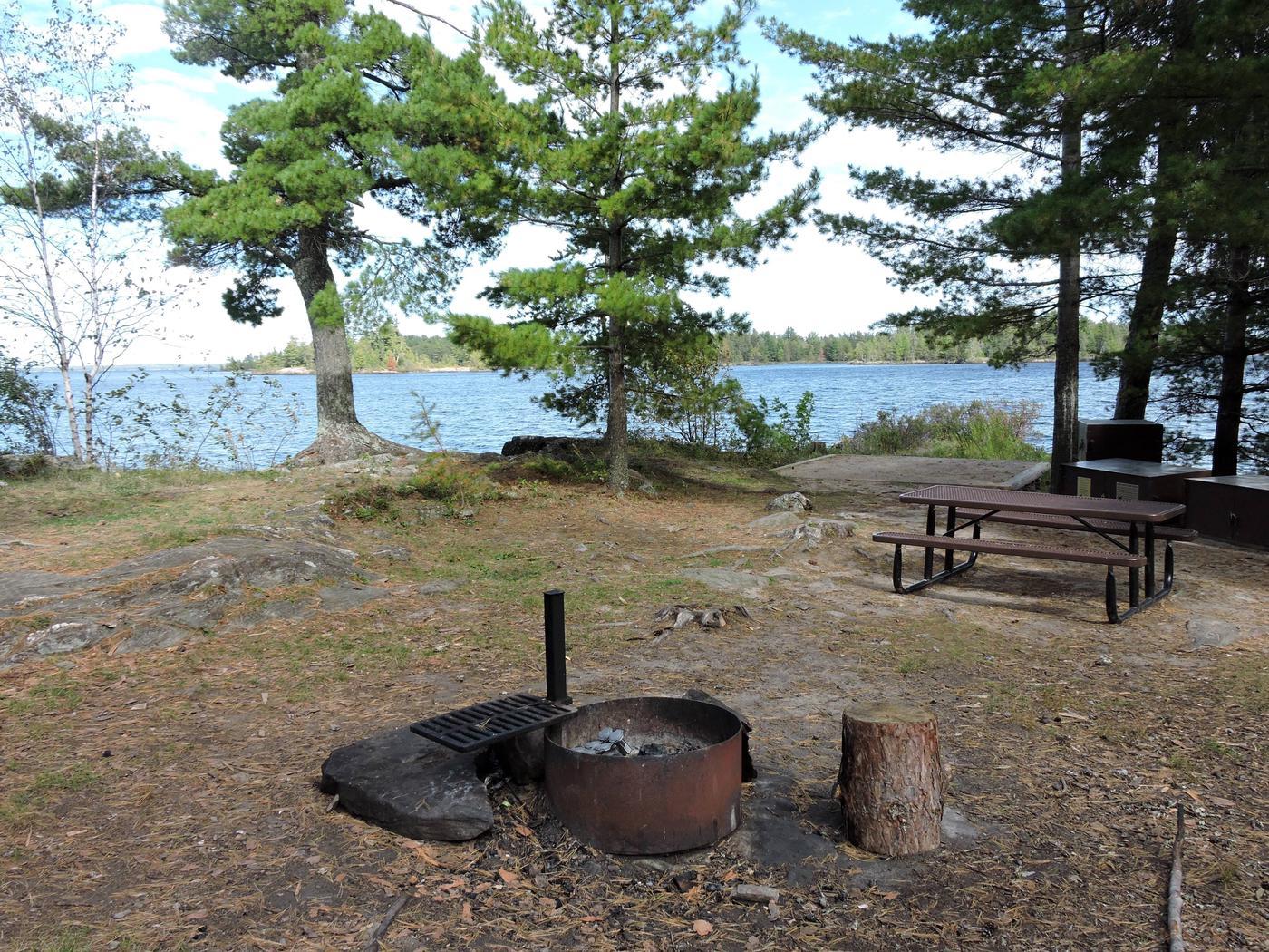 R62 - Krantz PointR62 - Krantz Point campsite on Rainy Lake
